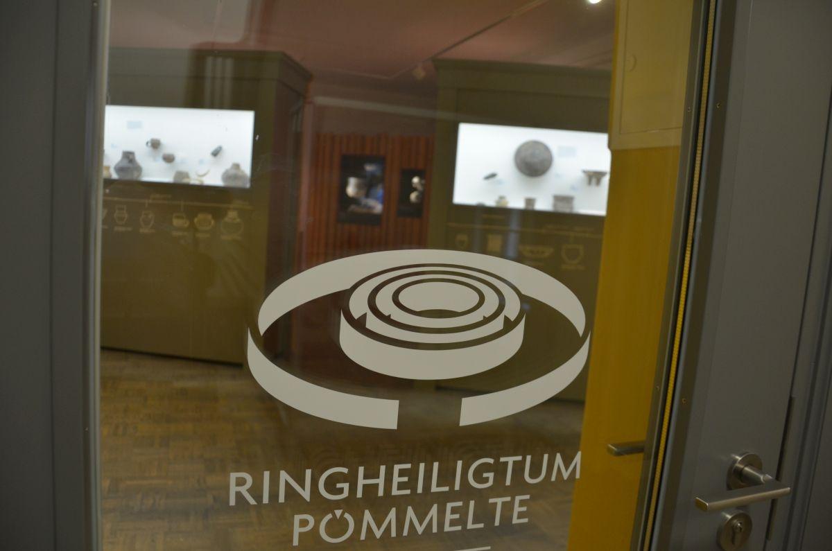 Impression aus der Dauerausstellung über das Ringheiligtum im Salzlandmuseum in Schönebeck (Elbe). © Salzlandmuseum Schönebeck.