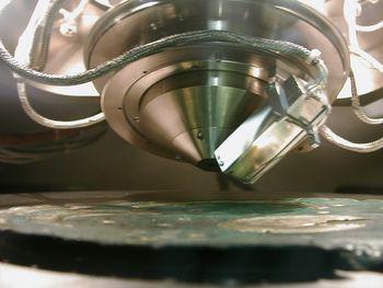 Es wurde kaum eine geeignete naturwissenschaftliche Methode ausgelassen, um den Hortfund von Nebra zu untersuchen. © Landesamt für Denkmalpflege und Archäologie Sachsen-Anhalt.