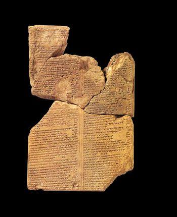 Exemplar der II. Keilschrifttafel von MUL.APIN aus Assur (Irak). © bpk/Vorderasiatisches Museum SMB/Olaf M. Teßmer.