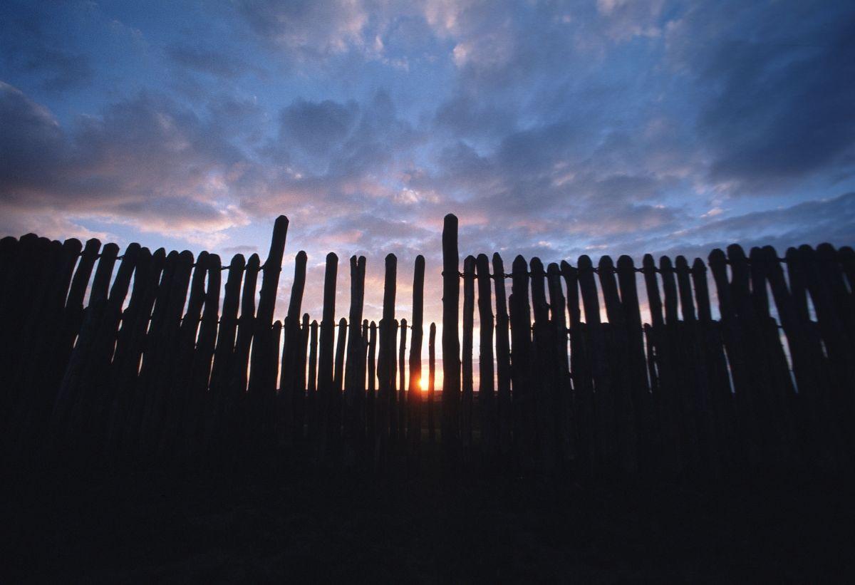 Das Sonnenobservatorium Goseck im Sonnenuntergang. © Landesamt für Denkmalpflege und Archäologie Sachsen-Anhalt, Juraj Lipták.