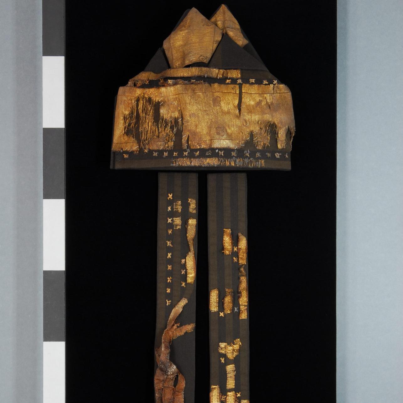 Die Mitra des Erzbischofs Wichmann im restaurierten Zustand. © Landesamt für Denkmalpflege und Archäologie Sachsen-Anhalt, Brigitte Dreyspring.