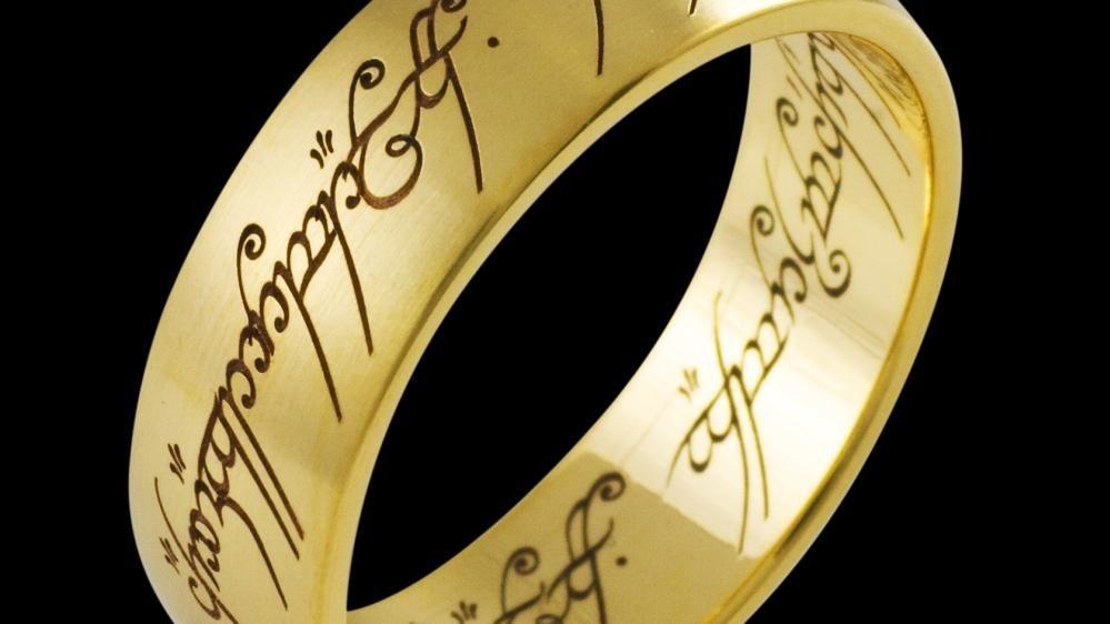›Der Eine Ring‹. Design für den Film ›Der Herr der Ringe: Die Gefährten‹ von 2001. © Schumann Design, Schumann Lasertec, Ganderkesee.