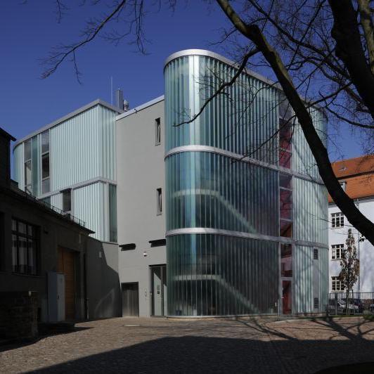 Die Restaurierungswerkstatt von außen. © Landesamt für Denkmalpflege und Archäologie Sachsen-Anhalt, Juraj Lipták.